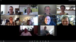 Skärmdump av datorskärm. Funktionsrätt Skånes styrelsemedlemmar och kanslipersonal syns i små rutor över hela bilden. Glada miner!